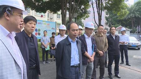 封宁调研南宁市城镇老旧小区改造工作