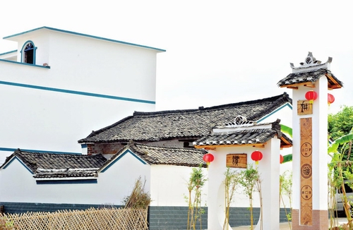 长塘镇/改造后的青秀区长塘镇长塘村王里坡呈现出美丽的乡村风貌本报...