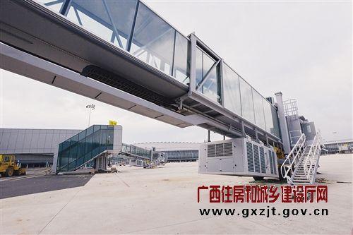 用于采光的53个膜结构天花板也已经安装到位