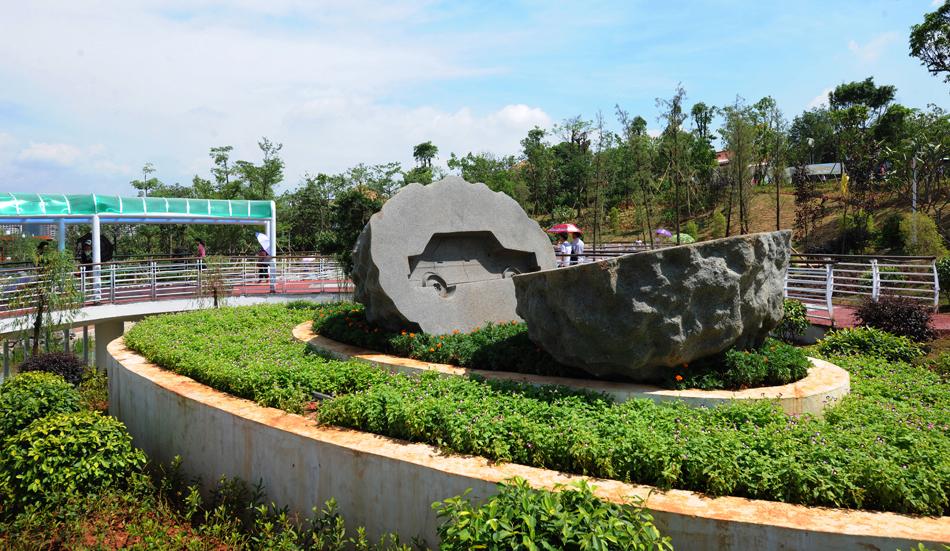苗族景观雕塑设计